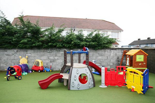 Outdoor Play Toys For Preschoolers : Tallaght crèche montessori dublin creche